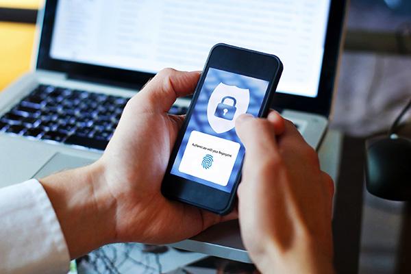 Mobile fingerprint authentication
